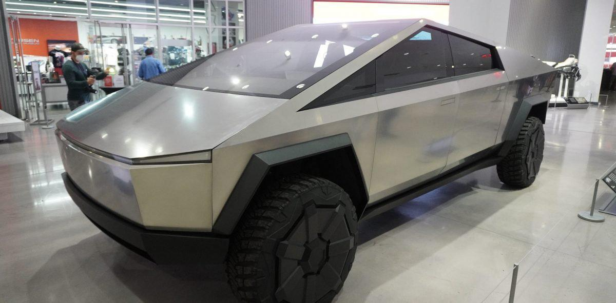 特斯拉 Tesla Cybertruck 车门